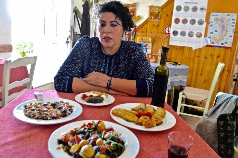 Καφενεία στο Πιτυός της Χίου - Greek Gastronomy Guide