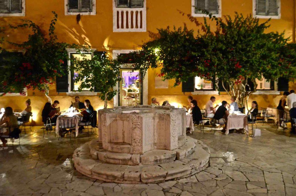 Βενετσιάνικο Πηγάδι - Παλιά Πόλη, Κέρκυρα - Greek Gastronomy Guide