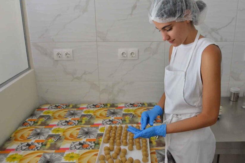 Άνθος του Γιαλού - Χαϊμαλιά και γλυκά Σκιάθου - Greek Gastronomy Guide