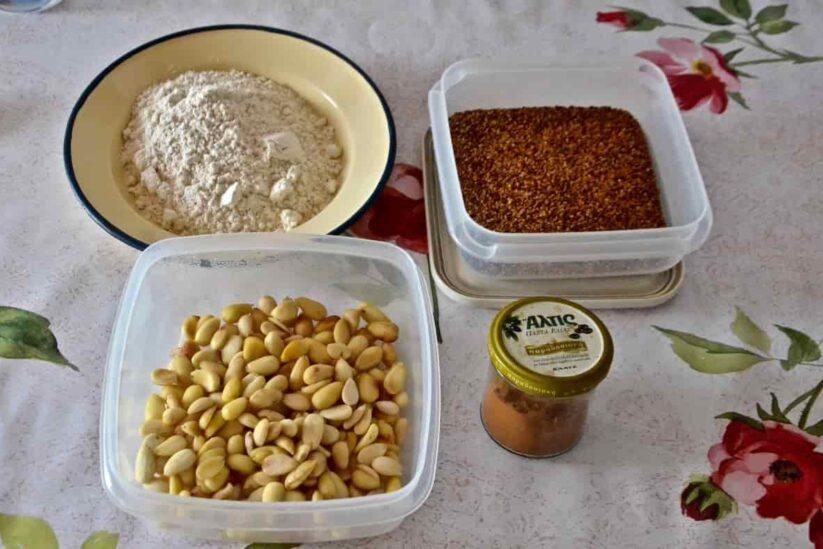 Σεπτέμβρης: ο τρύγος και ο μούστος, το πετιμέζι και η μουσταλευριά - Greek Gastronomy Guide