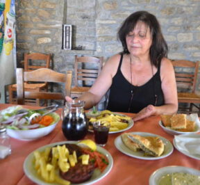Ψησταριά Αθήναιον - Ροδαυγή, Άρτα - Greek Gastronomy Guide